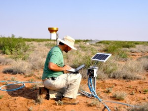Scientist studies effects of extreme weather on grasslands